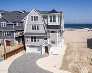 226 Dune Avenue, Mantoloking image