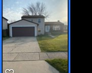101 Green Meadows Drive, Glendale Heights image