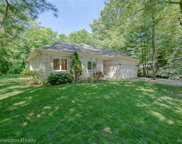 3060 BARBERRY, Commerce Twp image