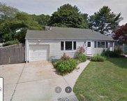 12 Glenwood  Lane, Huntington image