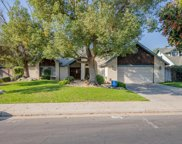 2301 Mountain Oak, Bakersfield image