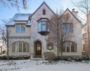 384 Hawthorn Lane, Winnetka image