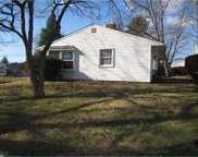 25 Vista Road, Levittown image