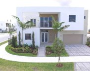 10042 Nw 76th Ter, Doral image