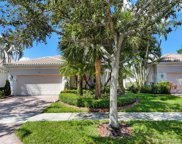 2557 Bay Pointe Dr, Weston image