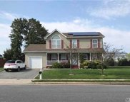 21 Dr Reed, Amityville image