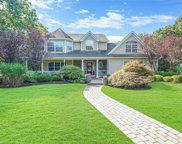 176 Country  Road, Medford image