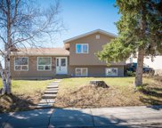 501 Cantrell Place Sw, Calgary image