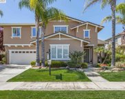 393 Roundhill Dr, Brentwood image