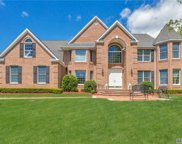 12 Alley Pond Ct, Dix Hills image