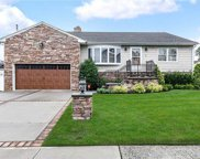 7 Seabreeze  Road, Massapequa image