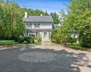 93 Wilmot  Road, New Rochelle image