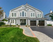 157 Pace S Drive, West Islip image