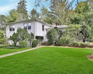 60 Lakeview  Road, New Rochelle image