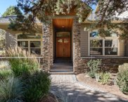 1074 Highland View, Redmond, OR image