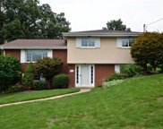 107 E Edgewood Dr, Peters Twp image