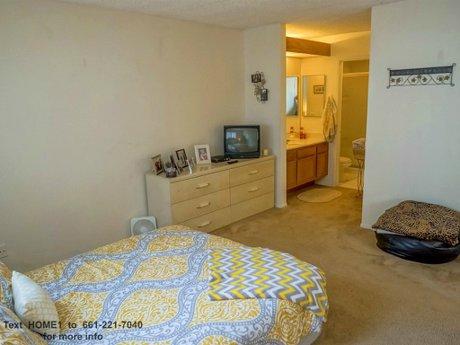 26853-claudette-st-unit-141-santa-clarita-ca-91351-008_master-suite-to-bath