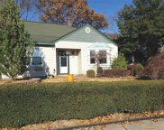 133 Old Farm Rd, Levittown image