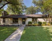 939 W Greenbriar Lane, Dallas image