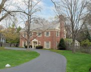 111 Apple Tree Road, Winnetka image
