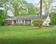 11 Landview  Dr, Dix Hills image
