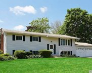 36 Clearview Dr, Wheatley Heights image