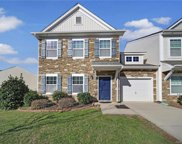 405 Battery  Circle, Clover image