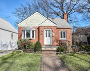 29 Corwin Ave, New Hyde Park image