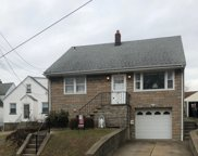 232 BROUGHTON AVE, Bloomfield Twp. image