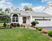 22 Hunters Pointe, Middletown image