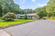 34 Florence  Drive, Manorville image