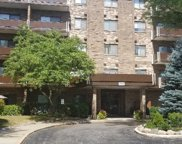 700 Wellington Avenue Unit 101, Elk Grove Village image