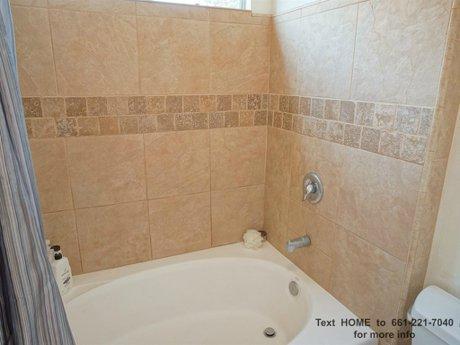 26828-Madigan-Dr-Canyon-Country-CA-91351-master-tub