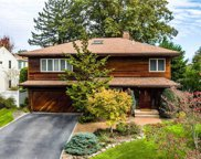 52 Appletree  Lane, Roslyn Heights image
