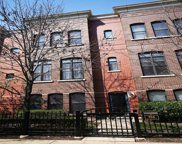 916 West College Parkway, Chicago image