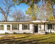 2207 Fenwick Drive, Dallas image