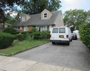 584 Northern Pkwy, Uniondale image