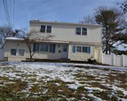 221 Sugarwood Ln, Central Islip image
