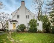 16 Spruce  Road, Larchmont image