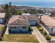 452 Heathcliff Dr, Pacifica image