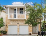 10430 Nw 69th Te, Doral image