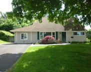 32 Towpath Road, Levittown image