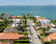 7517 W Treasure Dr, North Bay Village image
