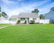 257 Hilltop  Drive, Brentwood image