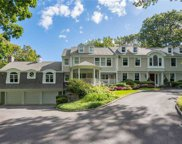 10 Redmond  Lane, Oyster Bay Cove image