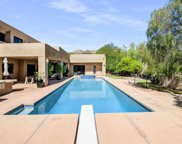 8040 N Ridgeview Drive, Paradise Valley image