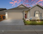 9722 Silver Falls, Shafter image