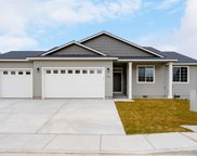 1916 W 39th Ave, Kennewick image