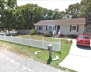 10 Leaf  Ave, Central Islip image