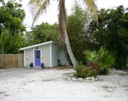 2213 Avenue B, Bradenton Beach image